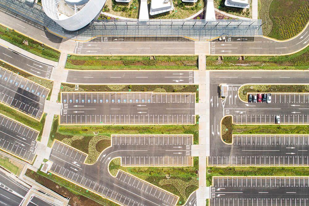 Vista aerea zona de estacionamiento centro de convenciones de costa rica
