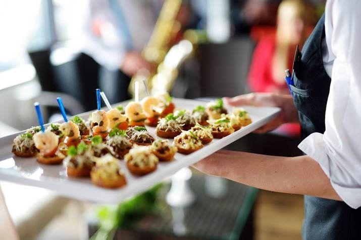 Conoce 5 consejos culinarios para organizar reuniones y congresos